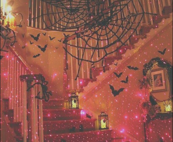 10 Pretty Decorating Stairs for Halloween Image