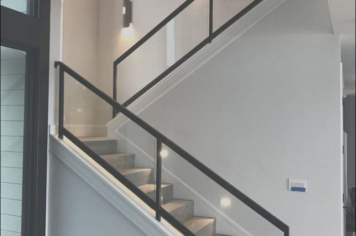 9 Outstanding Glass Railings for Stairs Interior Photos