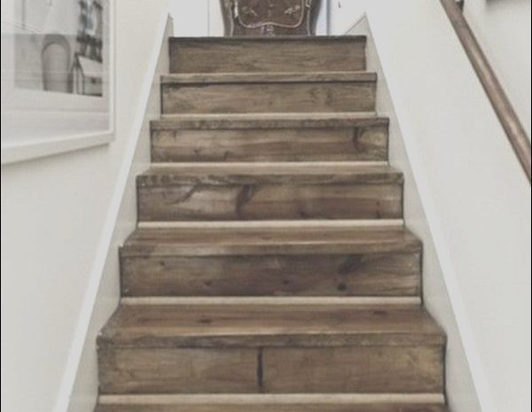 12 Favorite Old Stairs Ideas Photos