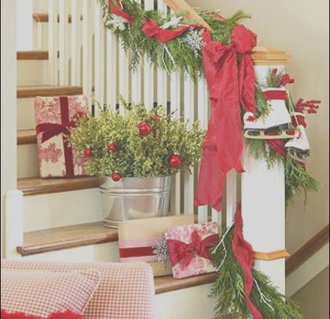 8 Amazing Stairs Christmas Decor Ideas Image