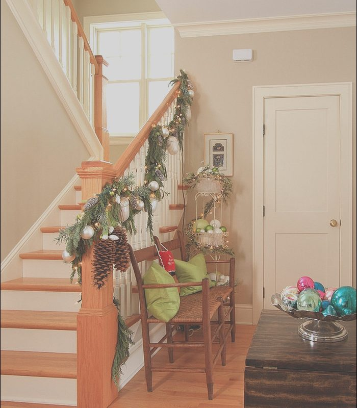 Stairs Decorating Ideas Photos Awesome 23 Gorgeous Christmas Staircase Decorating Ideas