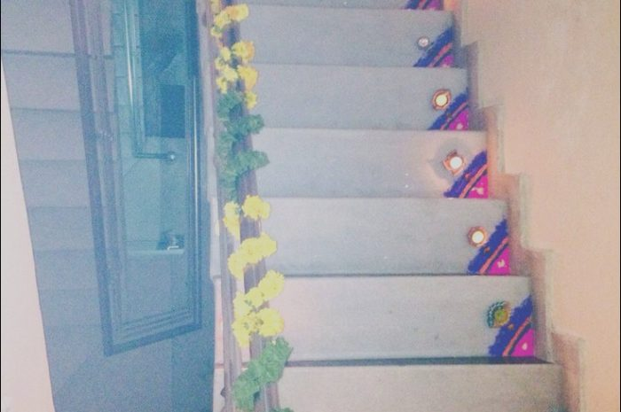 9 Good Stairs Decoration for Diwali Photos