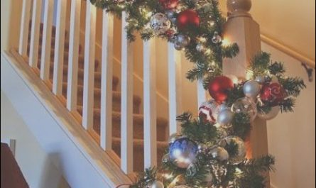 Christmas Decorating Ideas - Garland On Stairs Beautiful 37 Beautiful Christmas Staircase Décor Ideas to Try