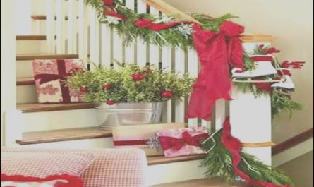 Christmas Stairs Ideas Awesome Christmas Stairs Decoration Ideas