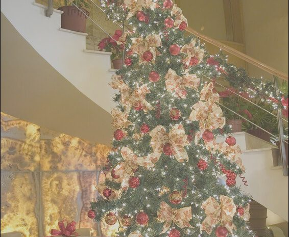 11 Better Decorating Your Stairs for Christmas Collection