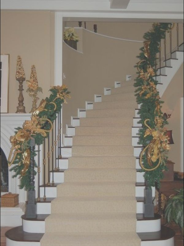 Decorating Your Stairs Unique Decorate the Staircase for Christmas – 45 Beautiful Ideas