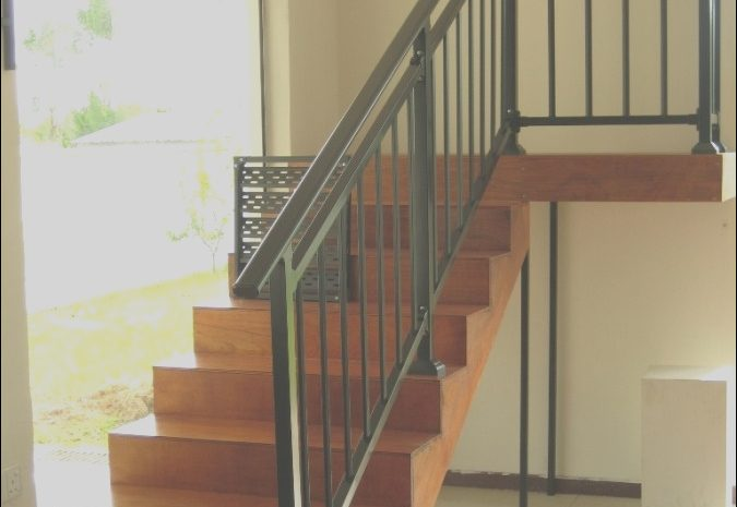 10 Typical Interior Stairs Handrail Photos