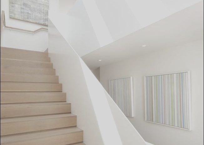 9 Remarkable Modern White Stairs Images