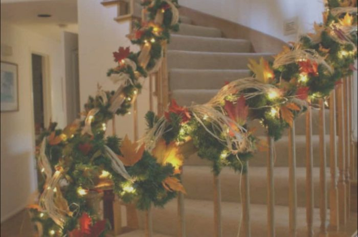 11 Prime Stairs Garland Decoration Stock