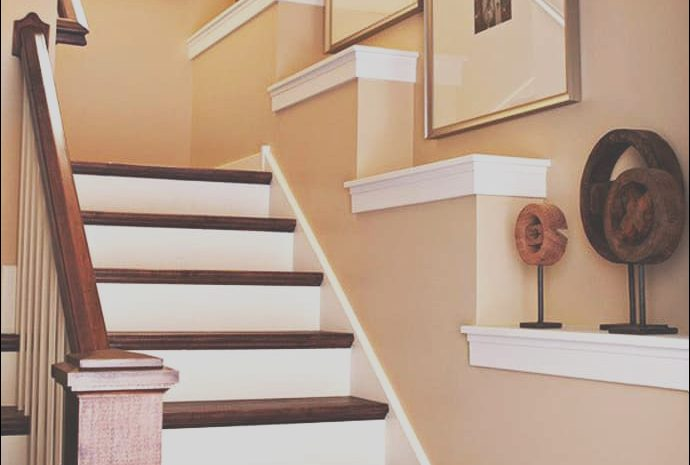 8 Loveable Stairs Shelf Decorating Ideas Collection