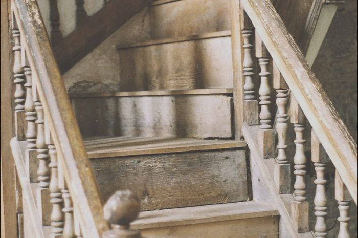 12 Lively Stairs Wooden Old Collection
