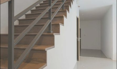 Wooden Railing Designs for Stairs Awesome Wood and Metal Stair Railing Stun 55 Beautiful Ideas