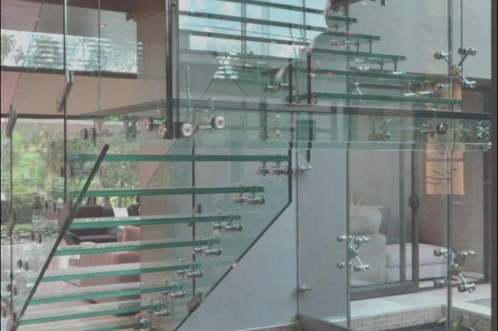 8 Excellent Contemporary Glass Stairs Collection