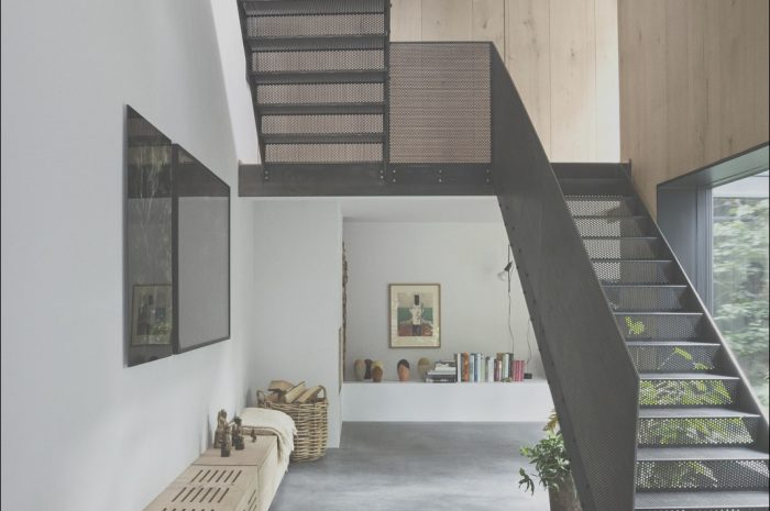 11 Valuable Contemporary Home Stairs Photography