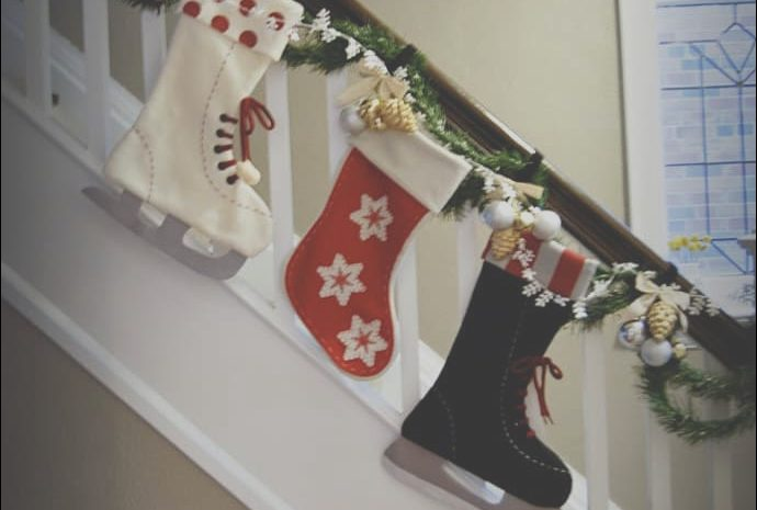 11 attractive Decorate Your Stairs for Christmas Stock