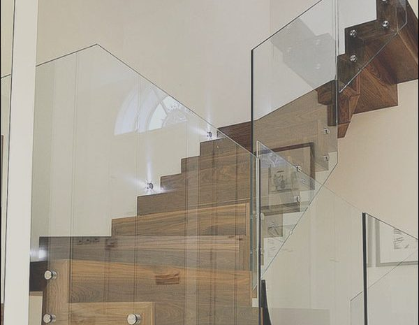 8 Likeable Glass Stairs Ideas Photos