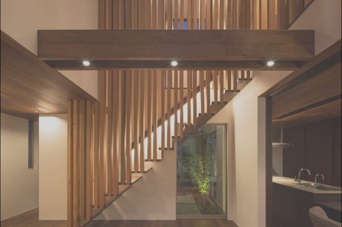 12 Pretty Japanese Wooden Stairs Image