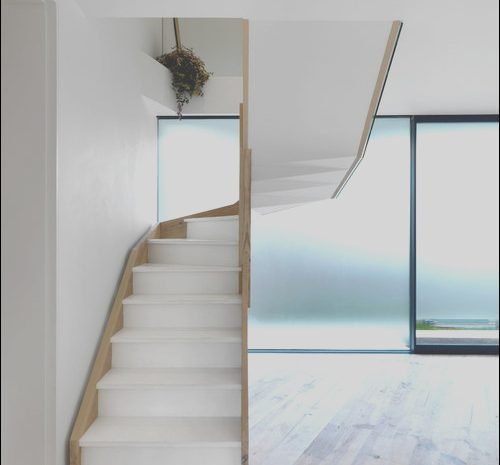 14 Briliant Minimalist Staircase Design Photography