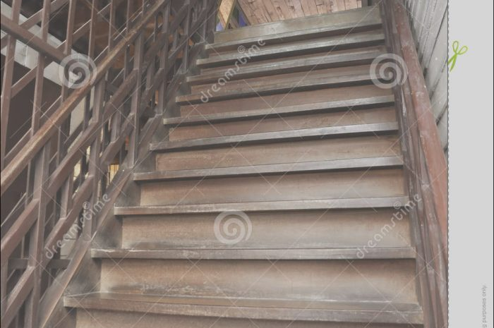 12 Awesome Old Stairs Wooden Photography