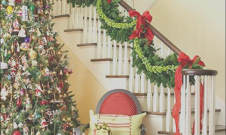 Simple Christmas Decor for Stairs Luxury 25 Simple Christmas Decorating Ideas