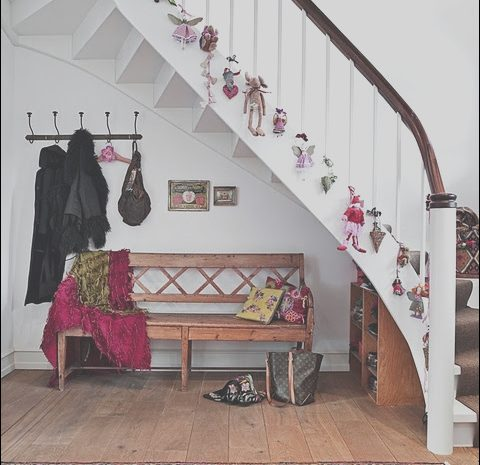 15 Antique Stairs Decoration for Christmas Photos