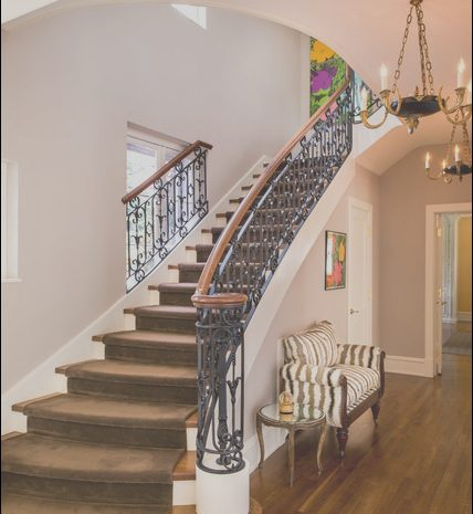 12 Wondeful Traditional Stairs Design Photos