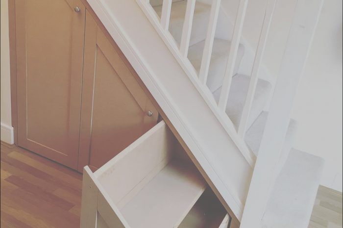 12 Classic Under Stairs Fitted Furniture Images