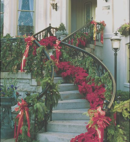 11 Elegant Decorating Outside Stairs for Christmas Photos