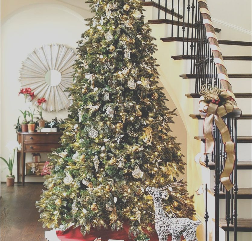 Decorating Stairs with Ribbon Fresh 12 Creative Christmas Decorating Ideas How to Decorate