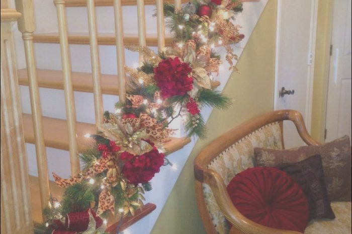 9 Newest Decorating the Stairs for Christmas Stock