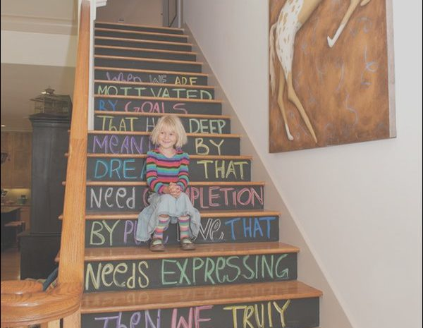 8 Quoet Decorating the Stairs Gallery
