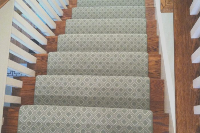 11 Genuine Few Sets Of Stairs Photos