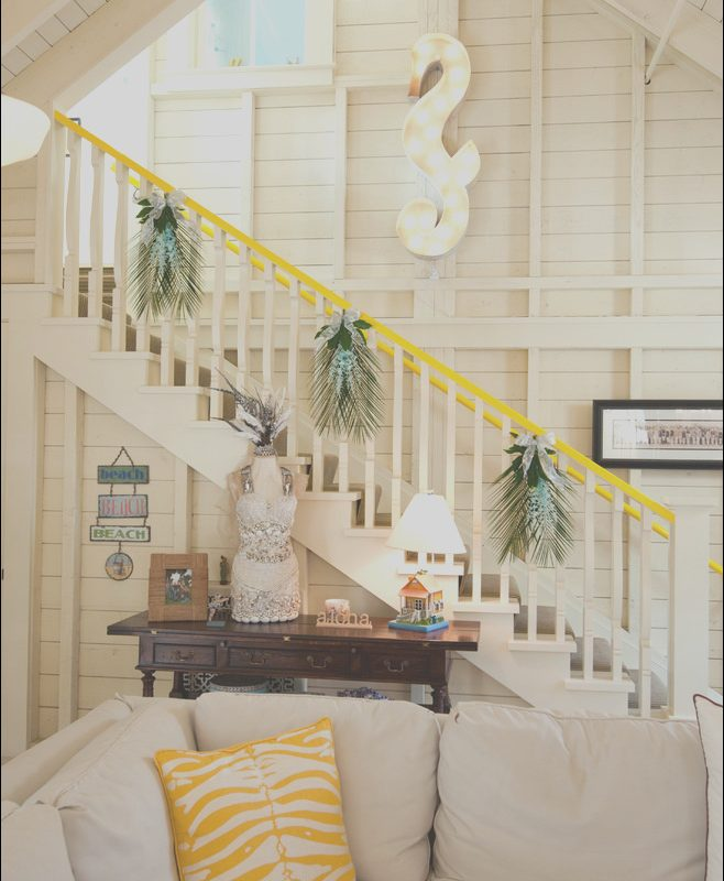 Holiday Stairs Decorating Ideas Luxury 100 Awesome Christmas Stairs Decoration Ideas Digsdigs