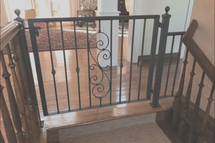 13 Various Interior Gates for Stairs Photos