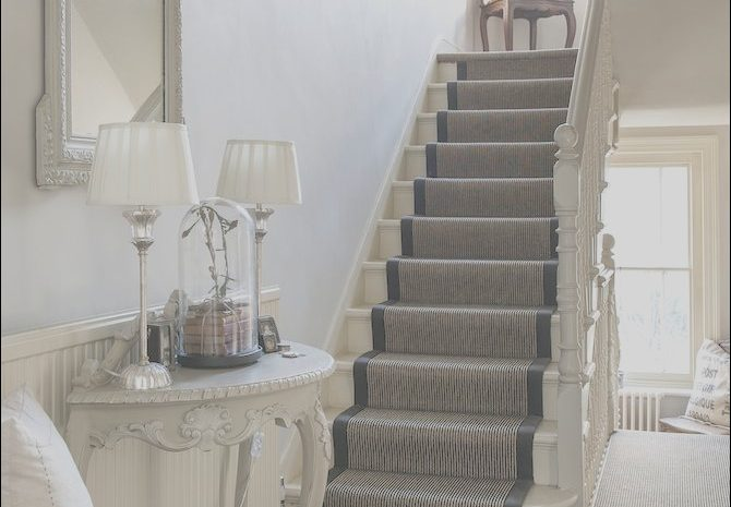 10 Comfortable Stairs and Hallways Decor Ideas Collection