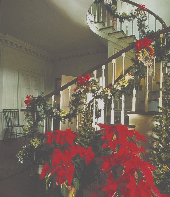 Stairs Christmas Decoration Ideas Lovely 30 Beautiful Christmas Decorations that Turn Your