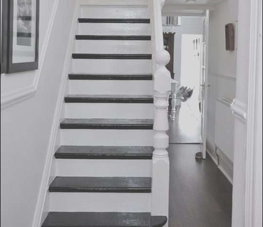 9 Remarkable Stairs Hallway Decorating Ideas Gallery