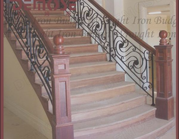 8 Elegant Stairs Iron Grill Design Images