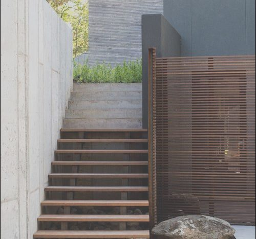 11 Primary Stairs to Contemporary Garden Patio Photos