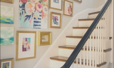 Up the Stairs Decor Awesome Easy Ideas to Fill Up and Decorate Blank Walls In Your