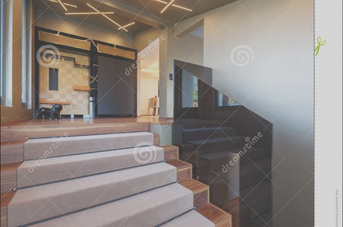 8 Gorgeous Villa Stairs Design Collection