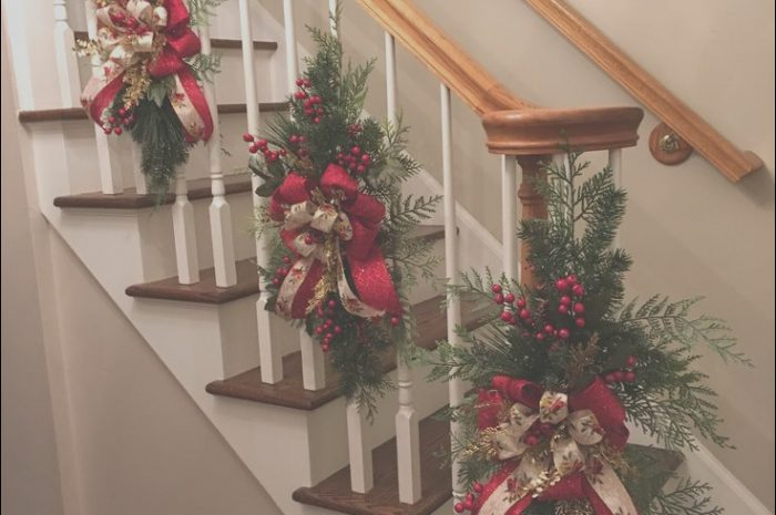 7 Present Xmas Decor Ideas for Stairs Gallery