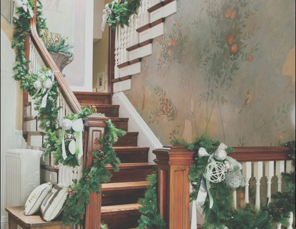 2 Expensive Xmas Decor Stairs Images
