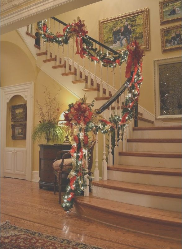 Christmas Decorating Ideas for Stairs and Landing Inspirational 26 Best Stair Landing Decor Images On Pinterest