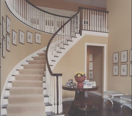 12 Petite Curved Stairs Decor Photos
