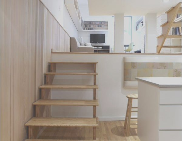 10 Flawless Modern Stairs for Small House Photos