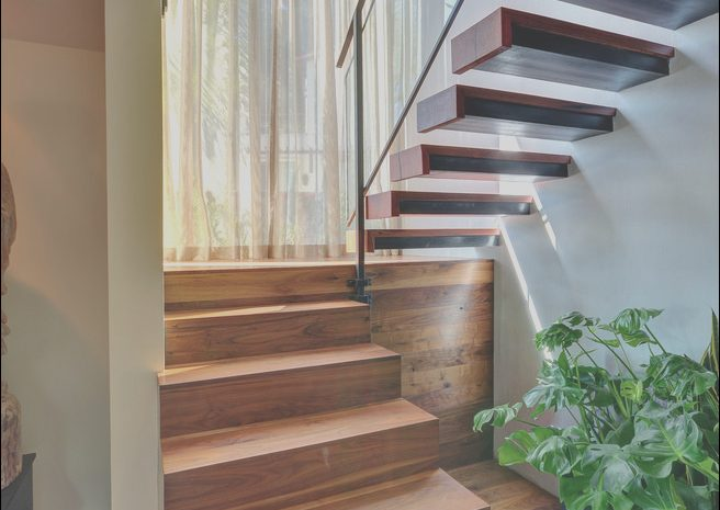 11 Special Modern Stairs with Landing Images