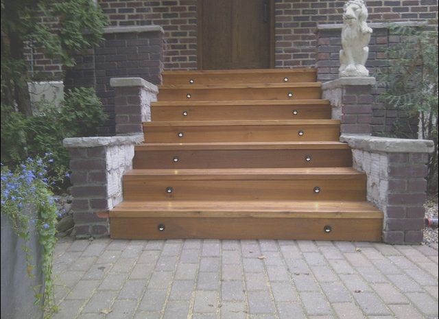10 Present Wooden Entrance Stairs Image
