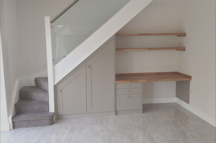 9 Marvelous Desk Under Stairs Design Ideas Collection