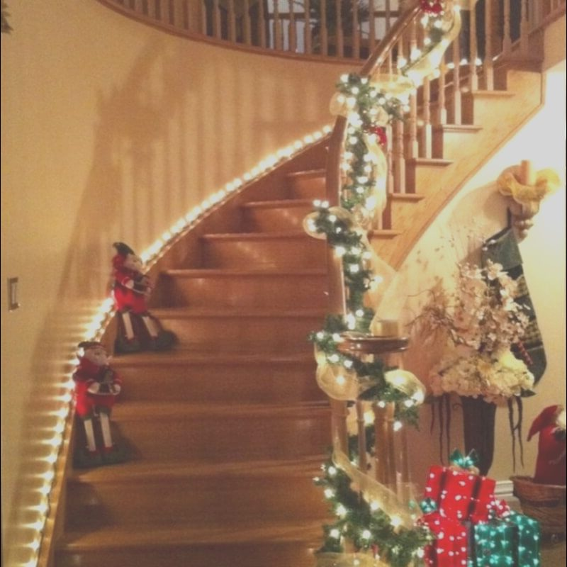 Stairs Decoration Light Best Of top 15 Christmas Stairs Decor for A Festive Staircase